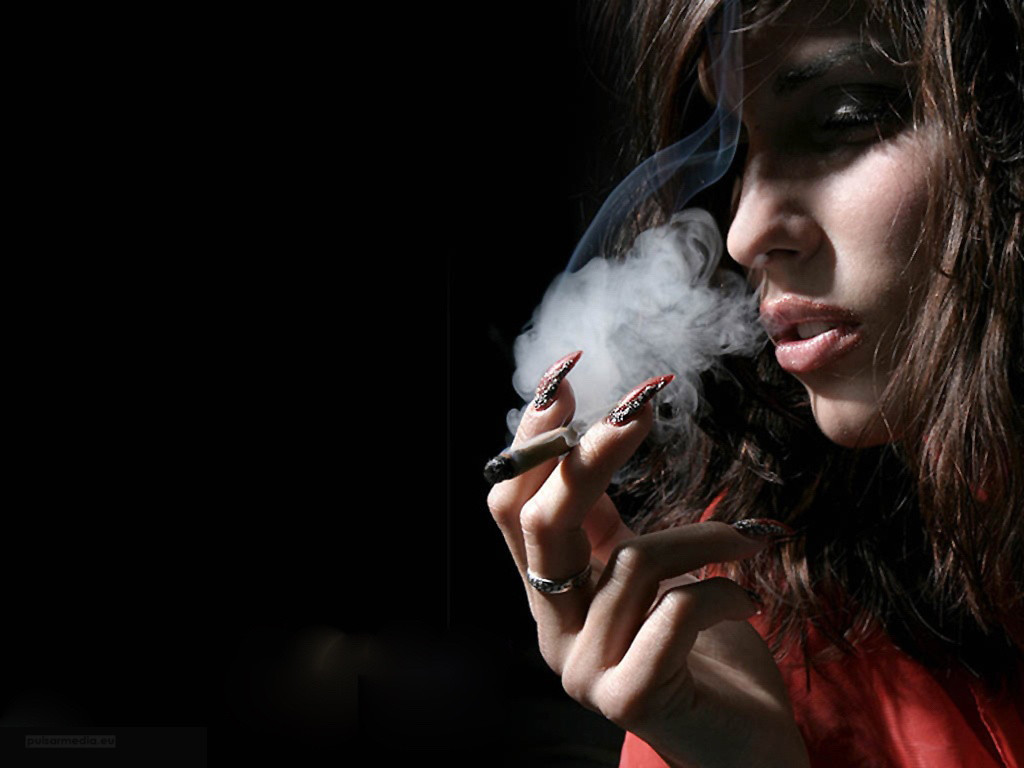 smoke-weed-sexy-girls-smoking-girl-x-box-222965